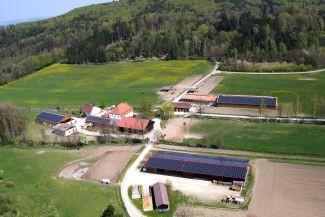 Solar-Anlage mit einer Gesamtanlagengrösse von 330 kWp